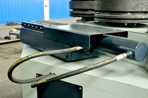 东西湖三轴型材弯弧机